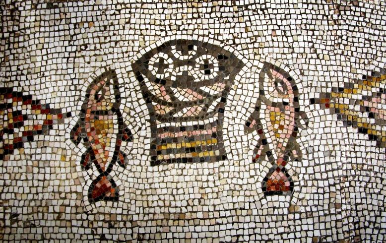 Tabgha mosaic of fish and loaves, tb102702
